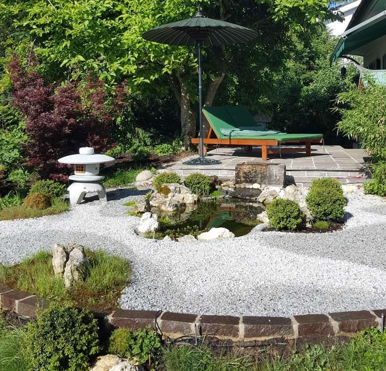 Sonnenschirm_oliv_japanischer_Garten