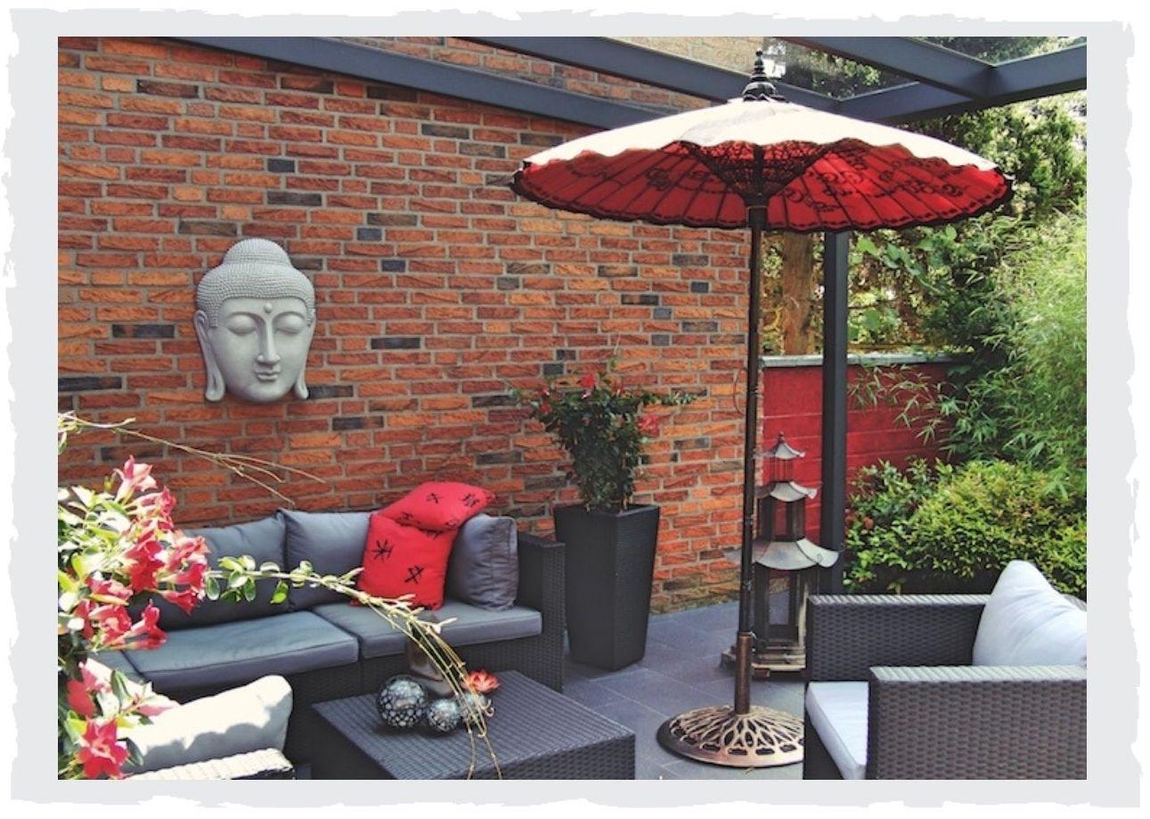 Buddha-auf-Terrasse