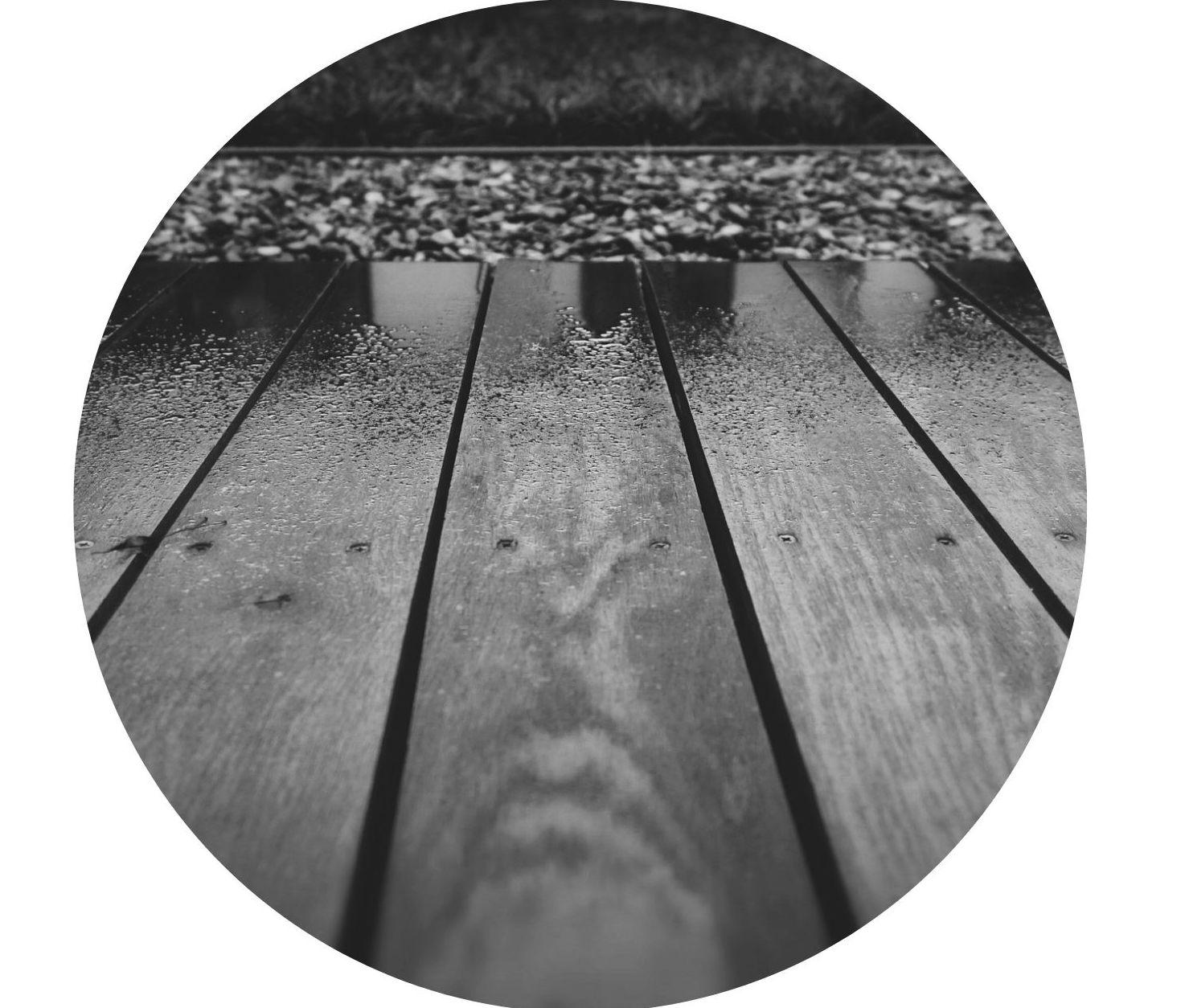 Terrasse-im-Regen