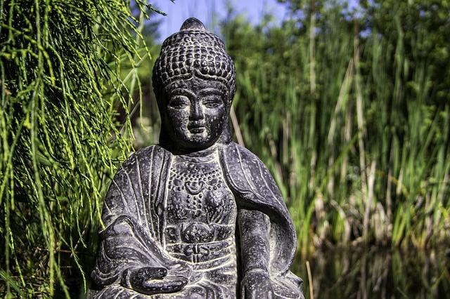 buddha-figur4N9qJZiKCAMu7