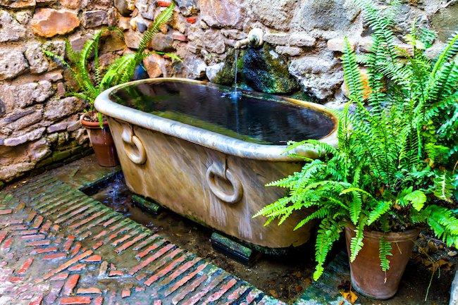 Wie Sie Mit Einer Alten Badewanne Ihren Garten Verschonern Konnen